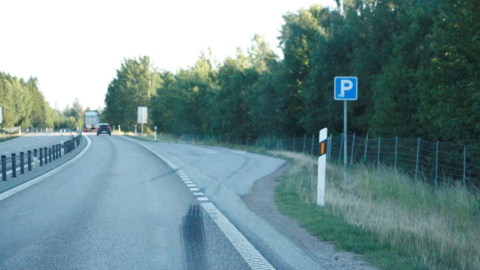 Parkeringsficka motortrafikled