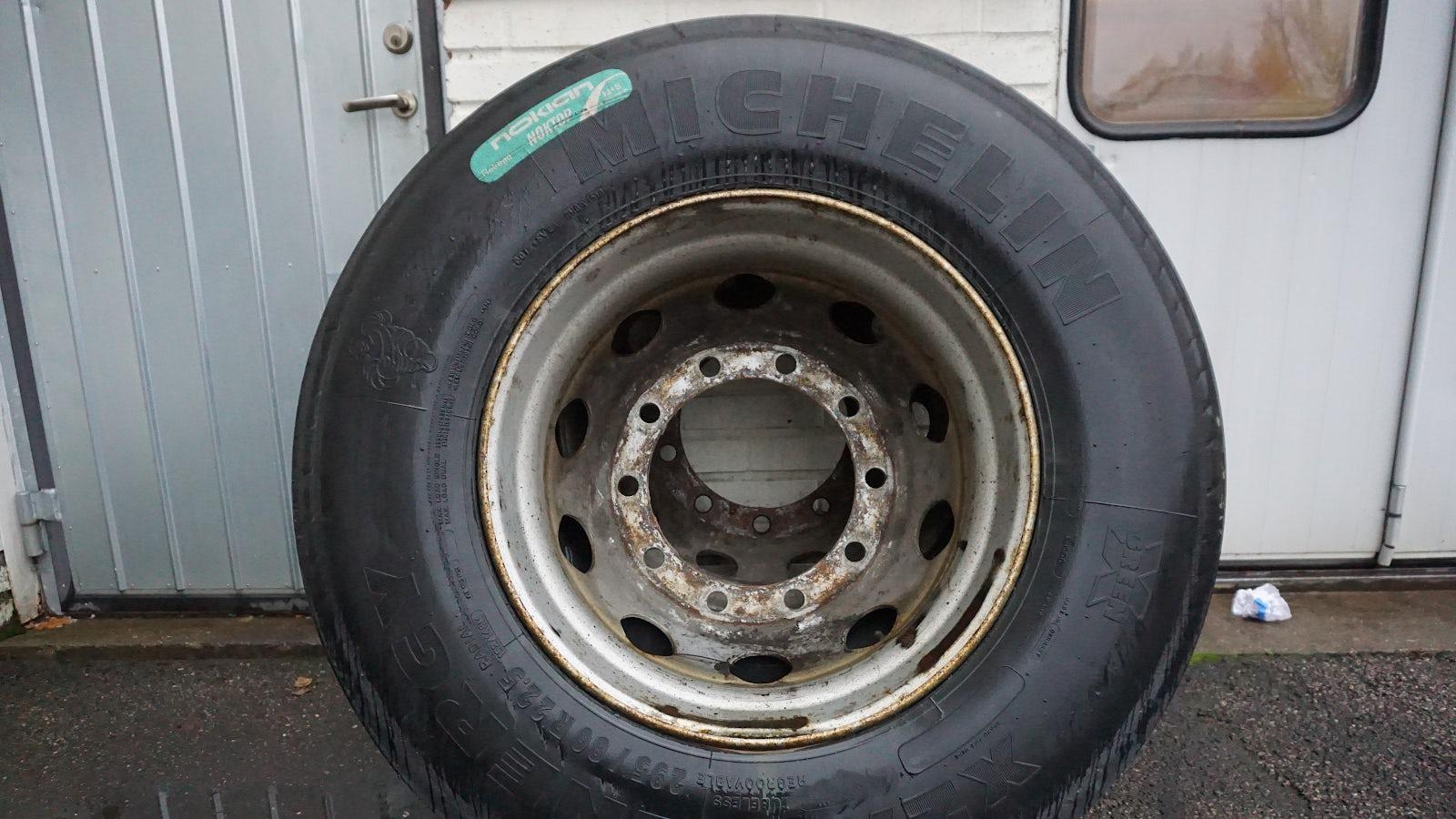 Ett reservhjul.